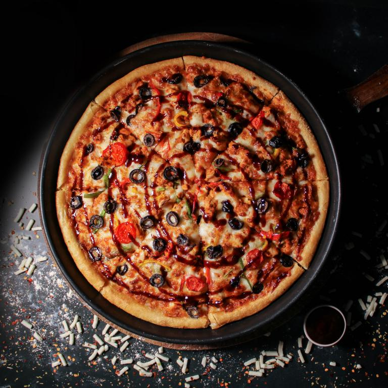 Chicken Barbecue Pizza in Muscat Oman
