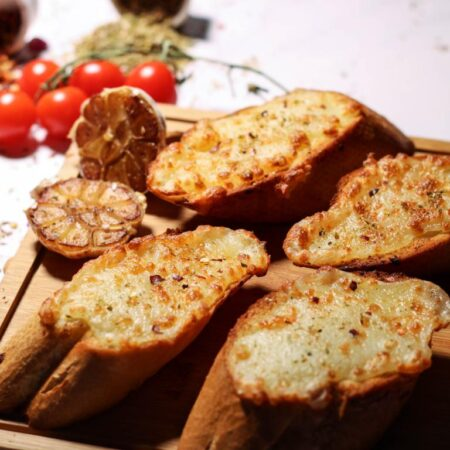Garlic Bread With Cheese in Muscat Oman